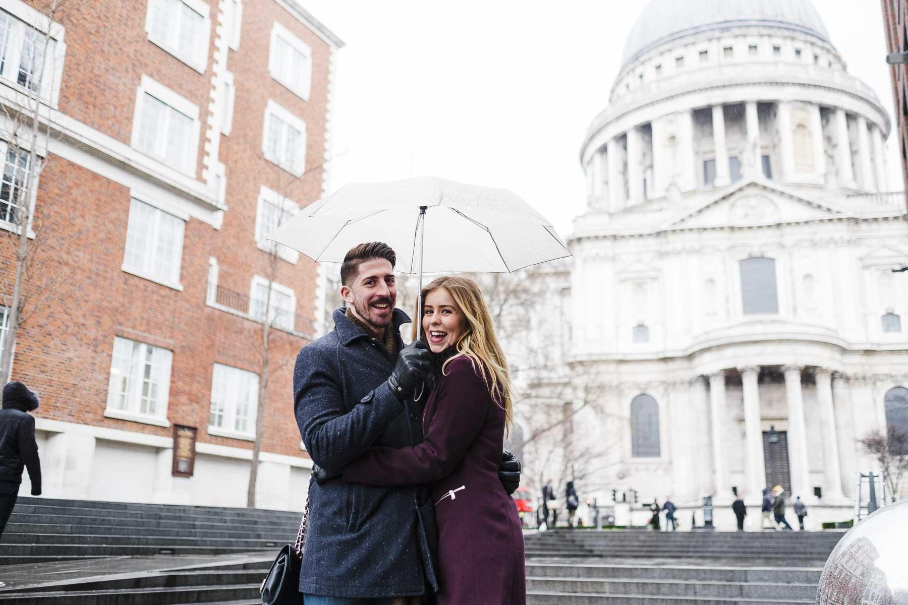 london engagement photo St Paul's